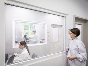Advanced: REMRED ISO7 Cleanroom